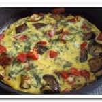 Как приготовить яичницу с овощами