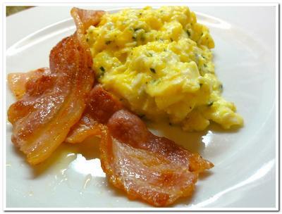 рецепт яичницы с салом
