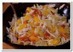Сытный и вкусный салат из курицы и картофеля