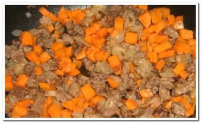 пускаем морковь в суп лагман