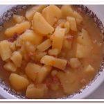 Ужин холостяка – картошка с тушенкой на обычной сковороде
