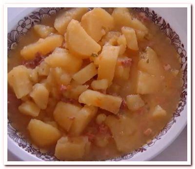 картошка с тушенкой на обычной сковороде
