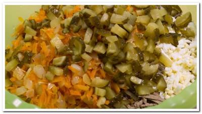 salat-iz-govyazhej-pecheni-s-lukom8