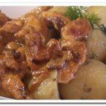 Как приготовить куриную грудку в сметанном соусе