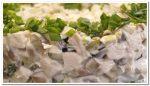 Салат  «Наслаждение»  с курицей и грибами