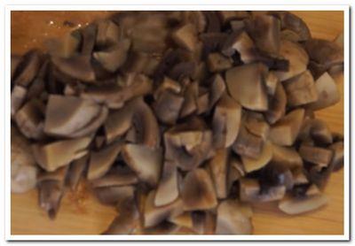 рецепт салата из курицы с грибами и солеными огурцами