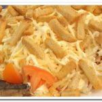 Бесподобный салат из шпрот, картофеля, сыра и помидоров