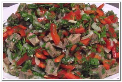 рецепт салата из отварной говядины