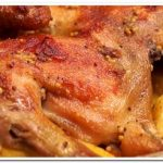 Очень вкусная курица в рукаве с картошкой