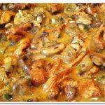 Как приготовить тушеную курицу на сковороде в сметане