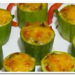 Кабачки, фаршированные сыром и овощами в духовке