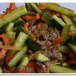 Обалденная закуска – огурцы с мясом по-корейски