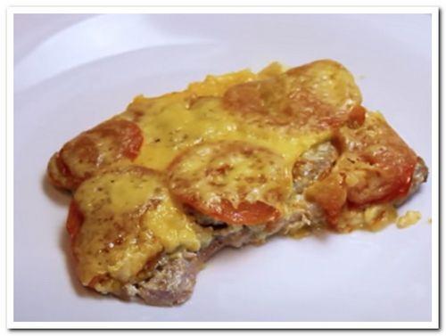 рецепт свинины с помидорами и сыром в духовке