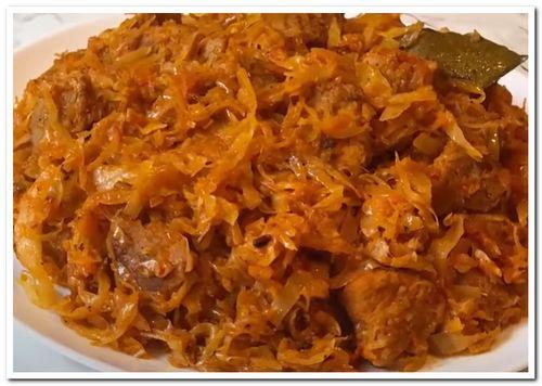 рецепт тушеной капусты с мясом на сковороде