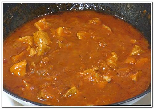 рецепт свинины в томатном соусе на сковороде